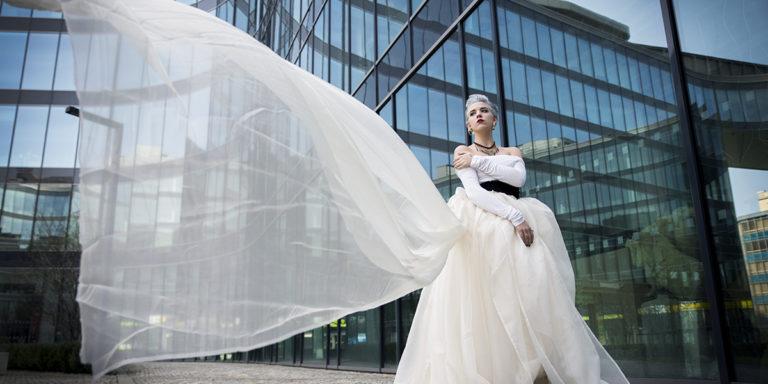 Co si pro nás připravil Lazaro v nové kolekci svatebních šatů na jaro 2018?