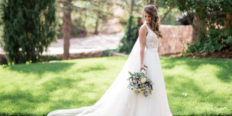 """""""Svatba je jen výjimečný začátek něčeho nádherného.""""  Monika Vejmělková z TenDen kvítek vám ho zkrášlí do posledního kvítku!"""