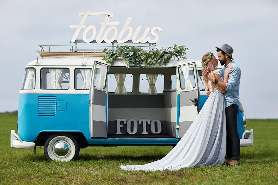 Rozzařte nejen svoji svatbu originální dekorací, pomůžou vám s tím SVÍTÍCÍ PÍSMENA
