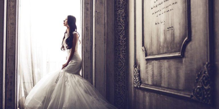 Op – art editoriál na industriální svatbu s geometrickými prvky