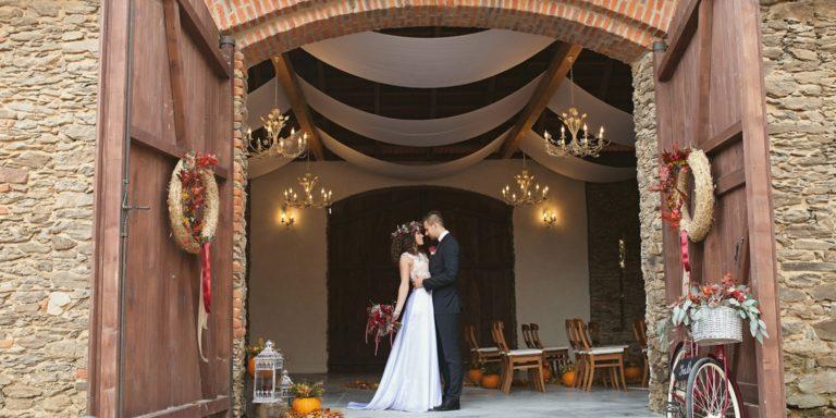 """""""Bojujeme """"za krásnější svatby"""" – to je motto, které nás provází už od začátku,"""" říkají Krasobrány"""