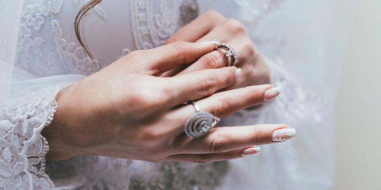 Po dnešku s výběrem svatebního oznámení tápat nebudete!