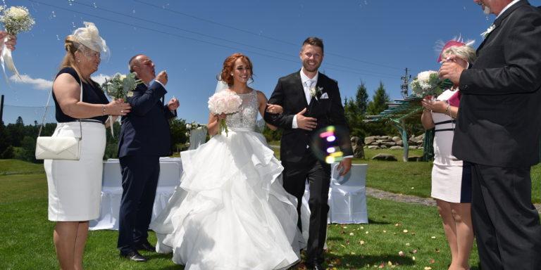 Dopřejte si luxusní svatbu, při které se budete cítit jako princezna! S pomocí Exclusive Weddings in Prague je to hračka!