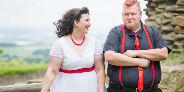 Originální výzdobu na svatbě můžete mít se Stool rentals