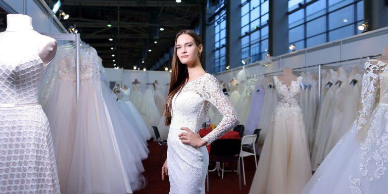 Seznamte se s královnou nostalgie – návrhářkou pohádkových svatebních šatů Lianou Mirzadeh