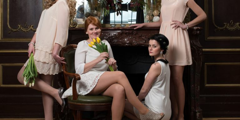 Retro výlet za módou do 20. let minulého století. Pravý vintage styl – účesy, make-up, doplňky a hlavně krásné svatební šaty
