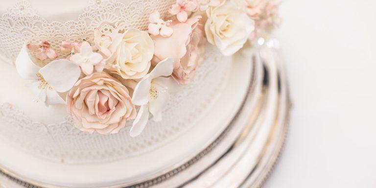 Vintage styl je opět v popředí. Chcete být i vy za stylovou nevěstu? Inspirujte se naší hromadou tipů a rad