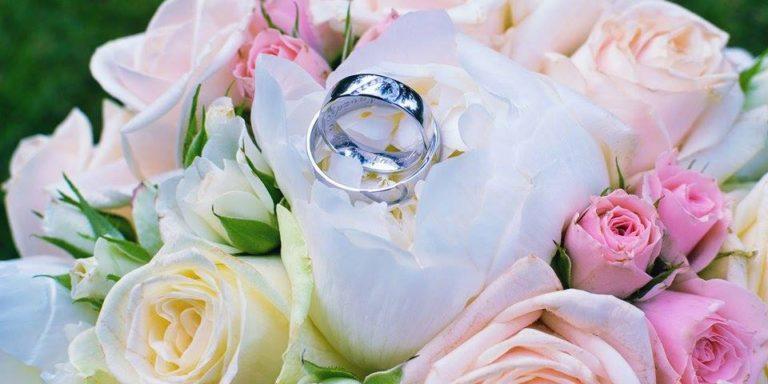 Vdávejte se jako princezna, vyberte si zámek Orlík nad Vltavou: romantika, příroda, projížďka na lodi. Co více si přát?