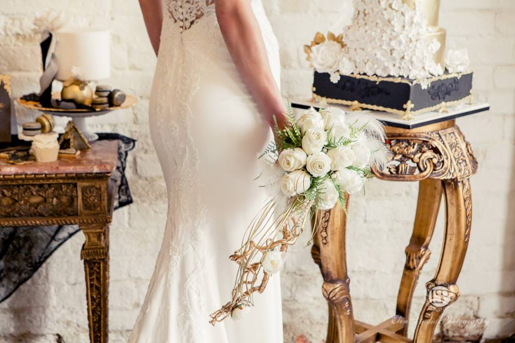 a53e20f6b11 Ještě méně konvenční nevěsty mohou rovnou sáhnout po černých svatebních  šatech!