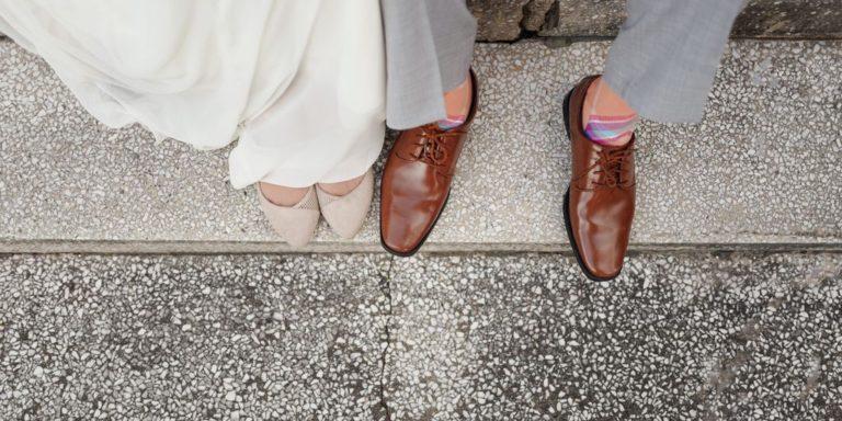 Světoví návrháři se předhánějí v nápadech na šaty pro matky nevěst a ženichů. Je z čeho vybírat!