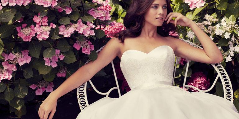 Luxusní a nezapomenutelné svatebky, jako pro hvězdu filmového plátna. Právě tak vypadají modely značky Poner