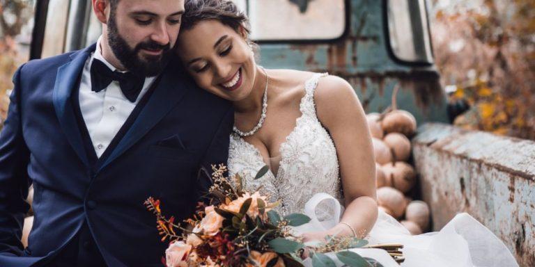 Když vám volby a déšť chtějí narušit svatbu, ale vy si ji i tak užijete naplno. Tak přesně to je příběh naší další nevěsty