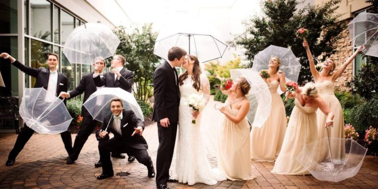 Ochutnávka kolekce svatebních šatů pro rok 2020 od Demetrios. Šaty odvážné, elegantní, v retro stylu