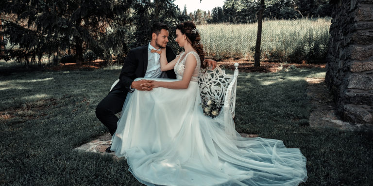 Tropická svatba: vytvořte si žhavou atmosféru věčného léta a smíchu. S našimi tipy to zvládnete mávnutím proutku