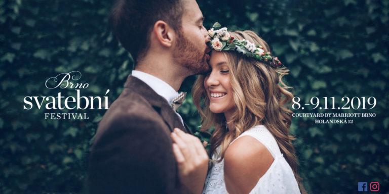 Svatební auto, aneb i užitečný pomocník může být luxusní a krásný. Vivicar rozveze vaše svatební hosty