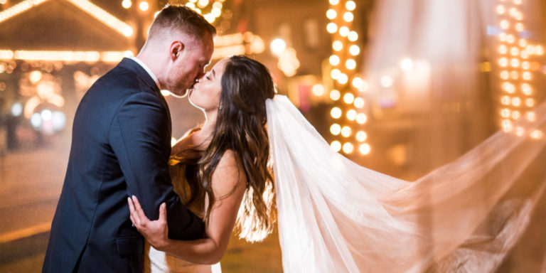 Láska, svíčky a duch Orientu. To je romantický svatební editorial Ty a Já 2019 pod taktovkou Le Fleur Design