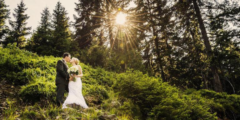 Toužíte vlastnit svatební šaty jako z pohádky, ale nezruinovat přitom svatební rozpočet? Něco bílého vám tento sen splní