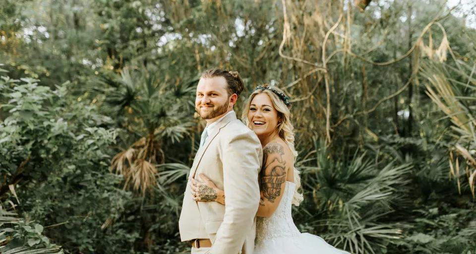 Nevěsta a ženich, tetování na paži
