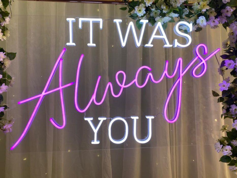 Neonový nápis na svatbu