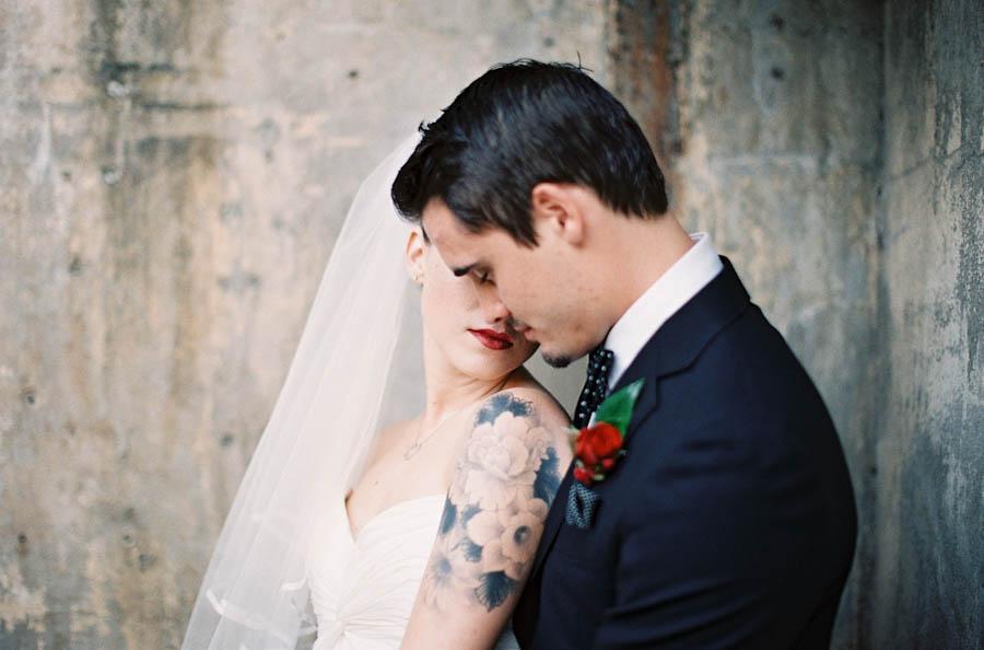 Nevěsta s tetováním, ženich