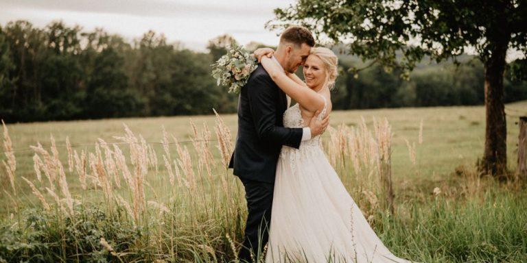 Youtuber Jirka Král se oženil. Jak vypadala svatba influencerů po česku?
