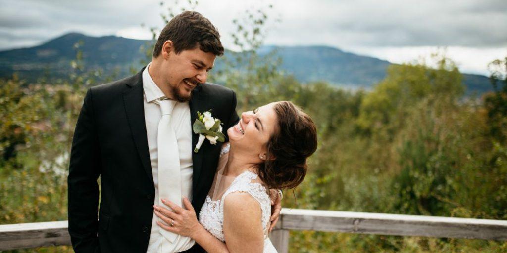 Nevěsta a ženich, veselí novomanželé, láska