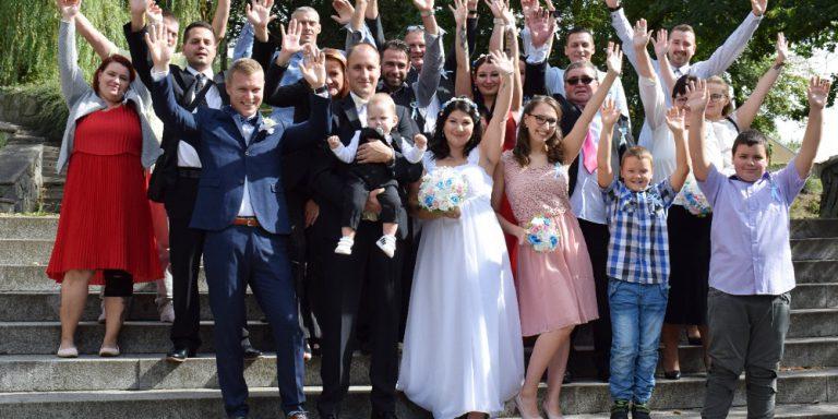 """Vysoká kvalita ručně šitých svatebních šatů – kolekce """"Fancy white"""" pro podzim 2020 od Galia Lahav"""