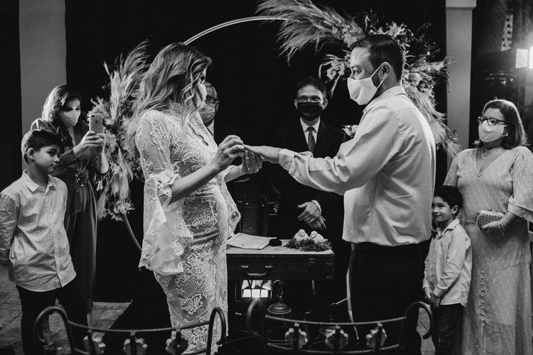 Svatba a COVID-19, svatba v rouškách.