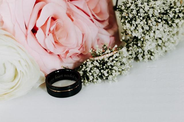 Snubní prsteny gravírování