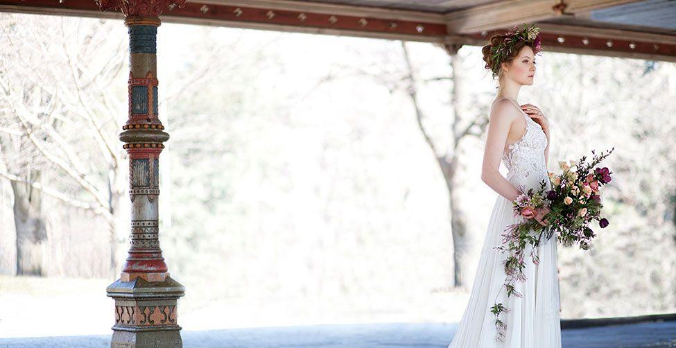 Svatba ve stylu Alfonse Muchy, secese. Nevěsta.