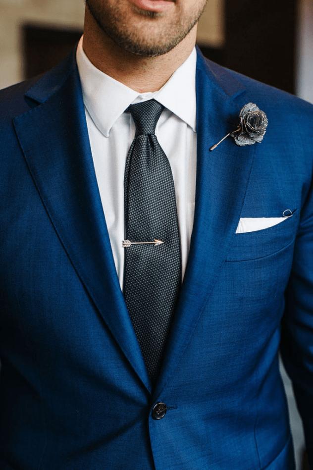 Oblek pro ženicha 2021