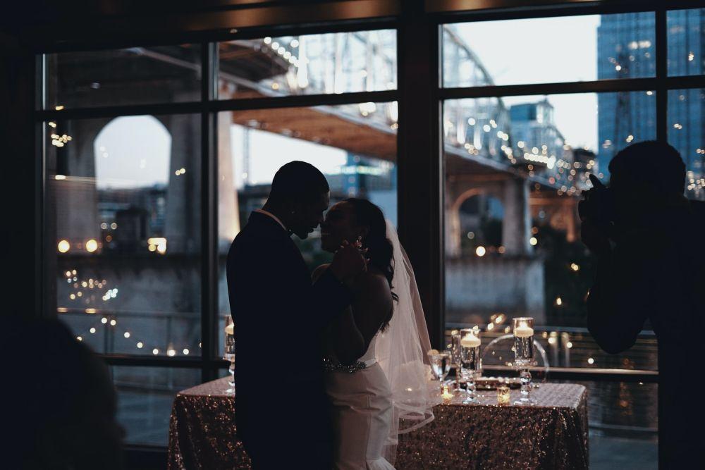 Svatební hudba, tanec, hudba na svatbu, Dj nebo živá kapela