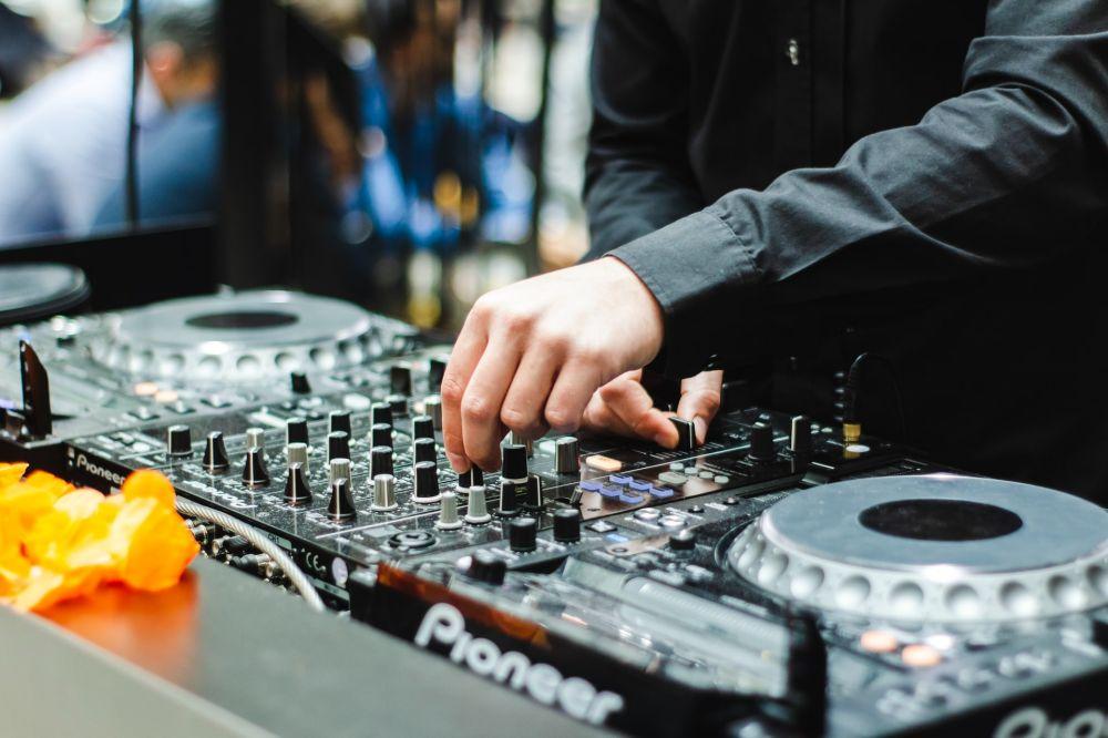 Svatební DJ, Dj na svatbu