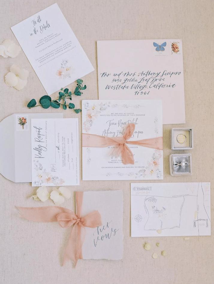 Květinové svatební tiskoviny