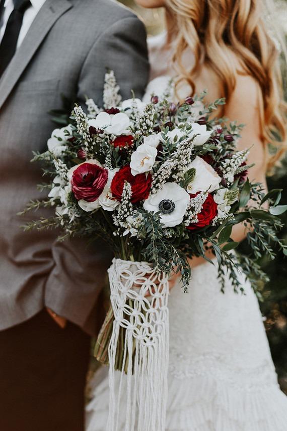 Svatební kytice, macrame dekorace