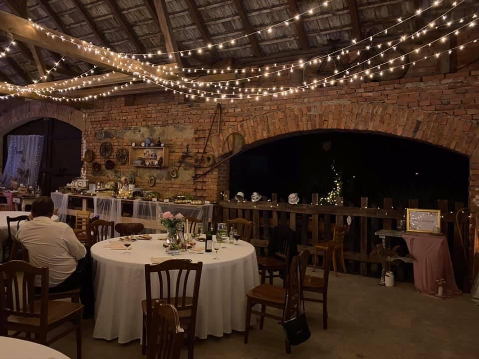 SVětelné řetězy, osvětlení na svatbu