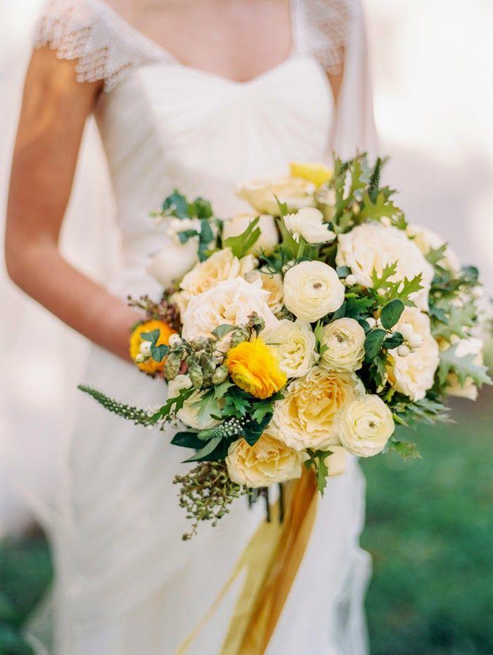 Jarní svatební kytice, světle žlutá