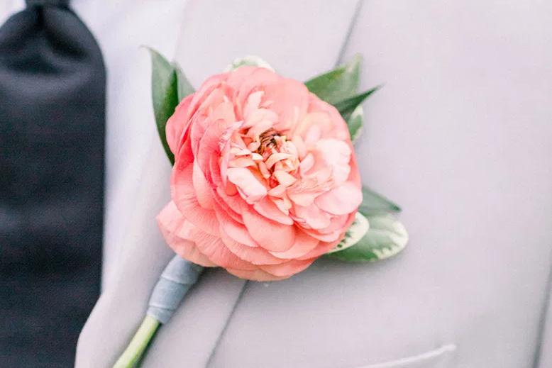 Kytička do klopy na svatbu
