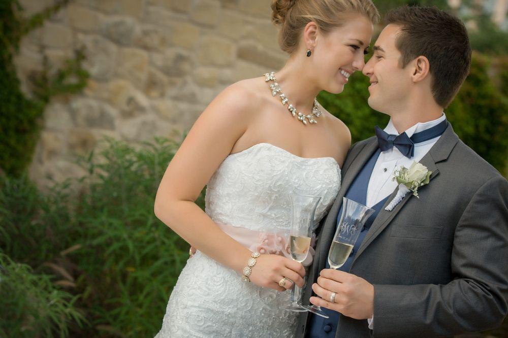 Kytička do klopy ženicha