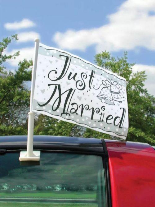 Výzdoba auta na svatbu
