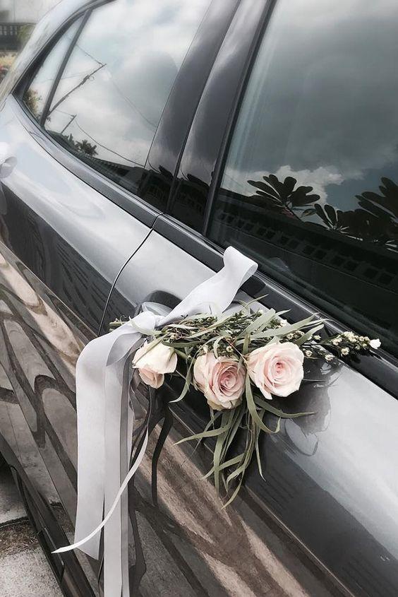 Kytičky na auto na svatbu