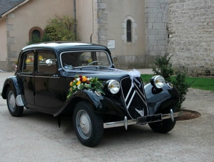 Svatební vůz, výzdoba auta pro nevěstu