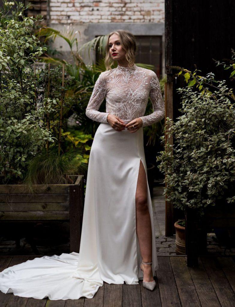 Nevěsta, svatební šaty ve stylu MOHO, modern boho nevěsta