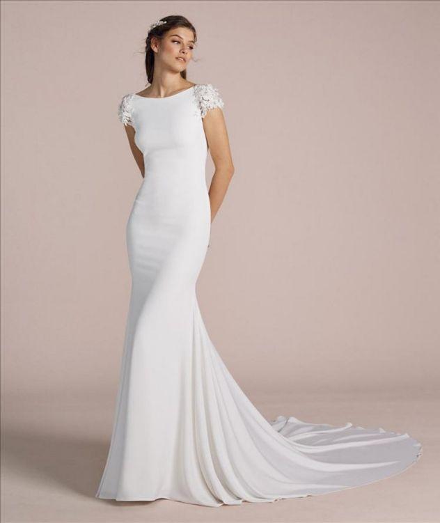 Minimalistické svatební šaty, svatební šaty s krajkovými rukávy