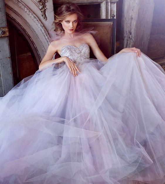Lila svatební šaty, fialové svatební šaty