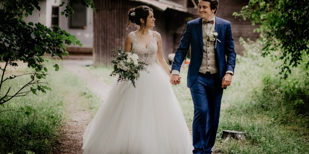Svatba na zahradě, venkovská svatba, cottagecore svatba