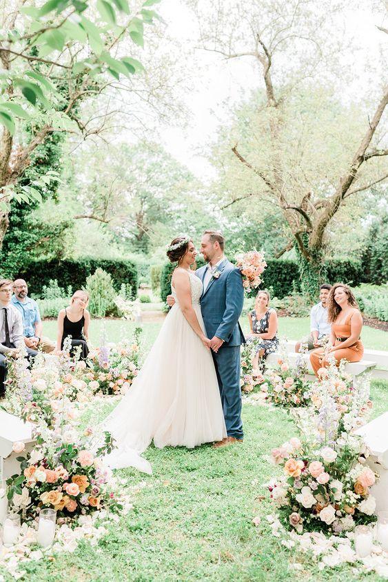 Malá svatba, květinová výzdoba svatby