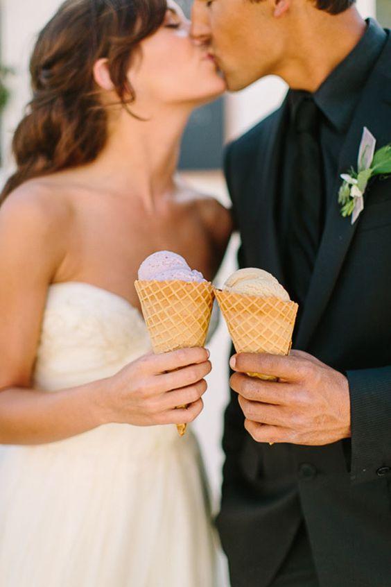 Zmrzlina do kornoutu pro nevěstu a ženicha