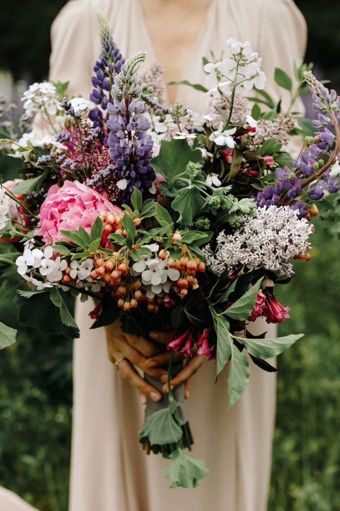 Letní kytice pro nevěstu