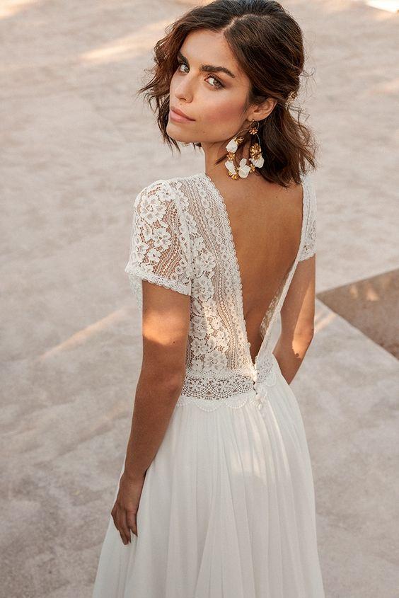 Krajkové svatební šaty, květované svatební šaty, krajkové květiny